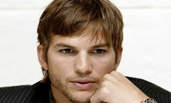kutcher likely to sign 10 mn endorsement deal