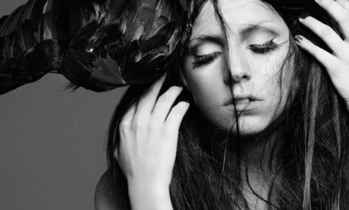 lady gaga speeds up release of new single applause
