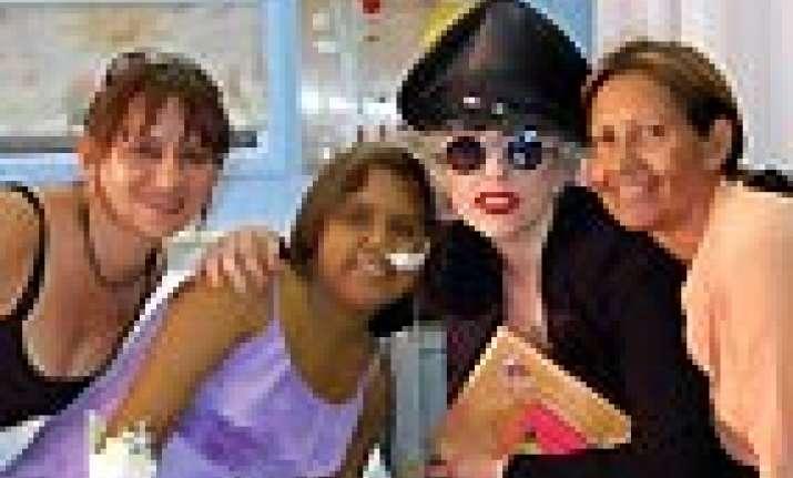 lady gaga visits children hospital