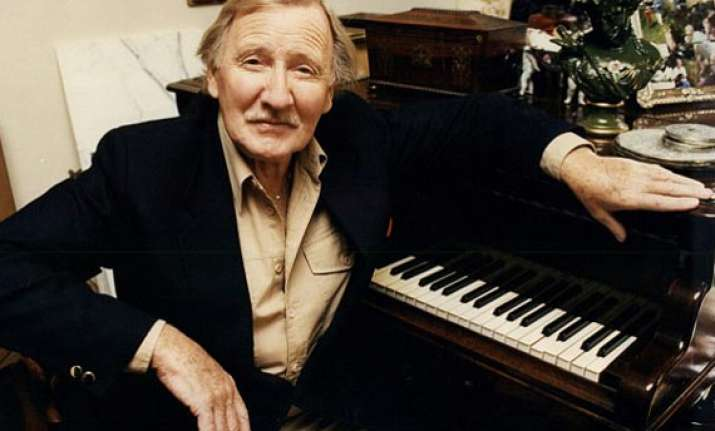 leslie phillips admitted in stroke centre