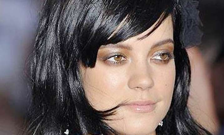 lily allen opens up about miscarriage