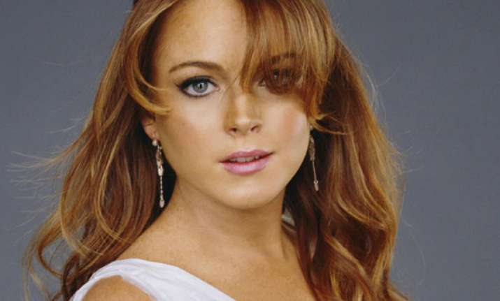 lindsay lohan turns down party offer