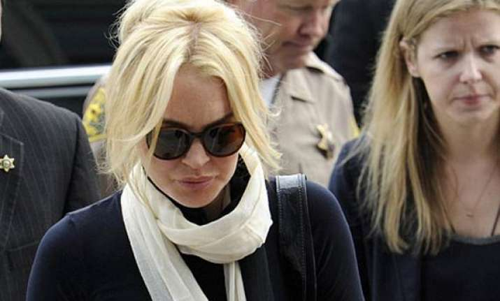 lindsay lohan to appear in court for probation review