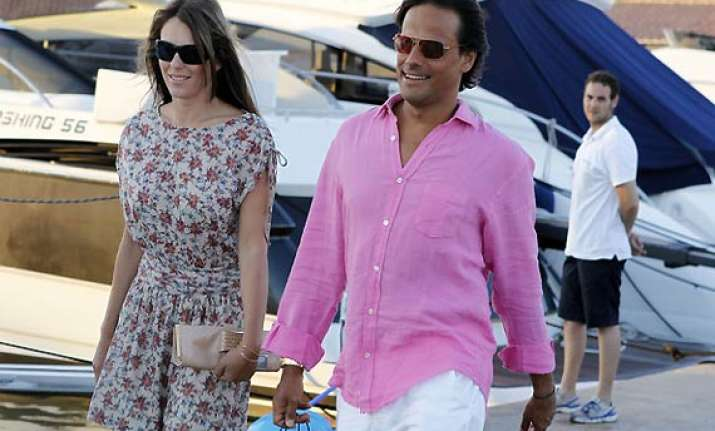 liz hurley arun nayar granted divorce