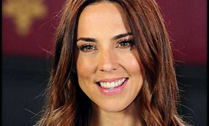 lonely mel c wants to feel loved