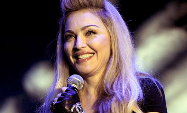 madonna debuts at no. 1 on billboard 200 lionel richie at