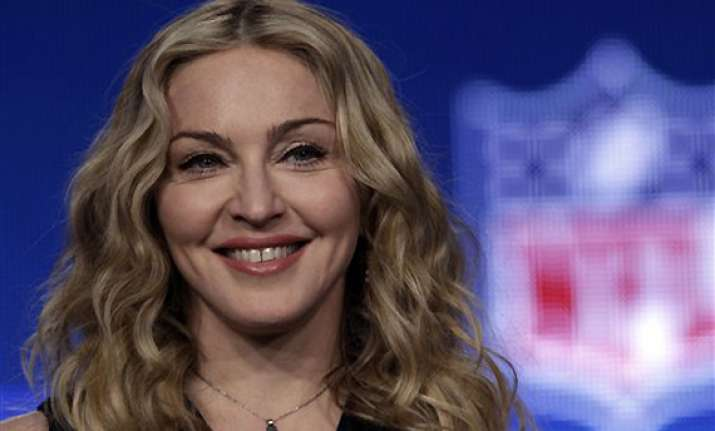 madonna launching video on billboards online
