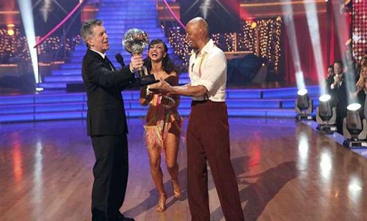 martinez wins the dancing mirrorball