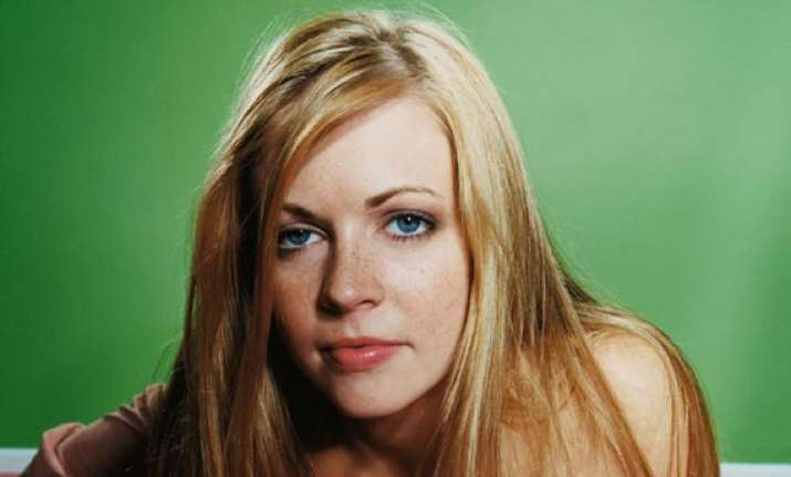 melissa joan hart i made out with ryan reynolds
