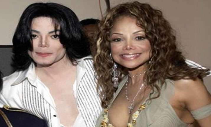 michael jackson was murdered says his sister