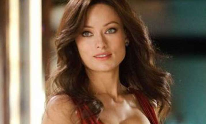 olivia wilde volunteered to strip in drinking buddies