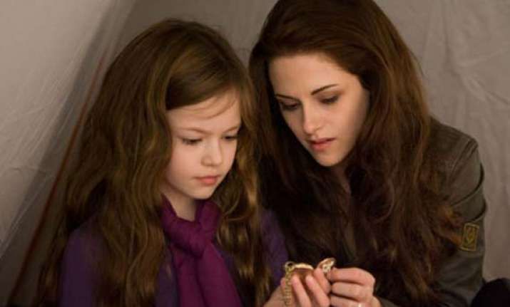 pattinson stewart praise onscreen daughter