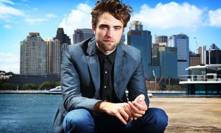 pattinson suffered from depression after twilight fame