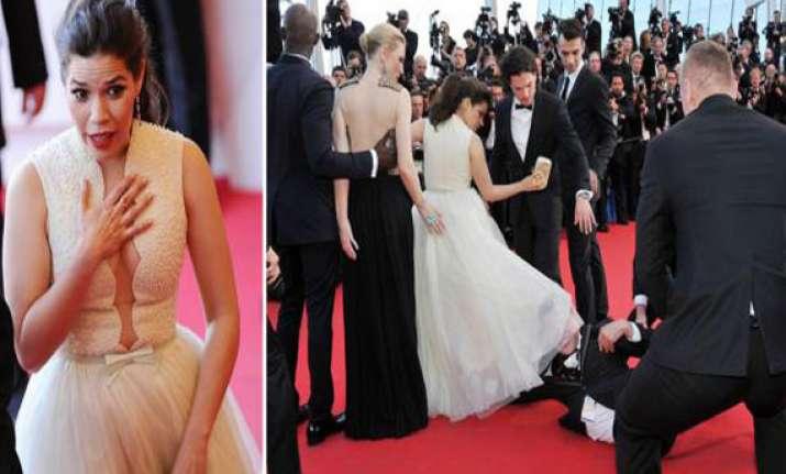 prankster crawls under hollywood star america ferrera s