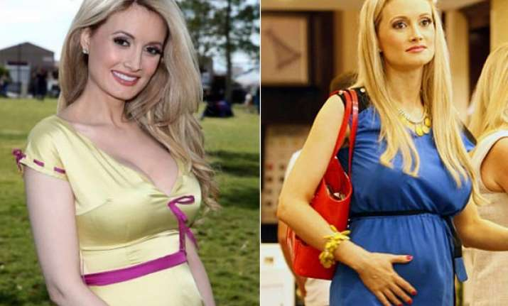 pregnancy is awkward says holly madison