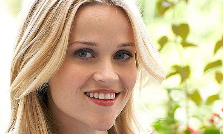 reese witherspoon plans to open retail store