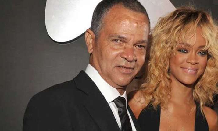 rihanna s dad wants grandchildren