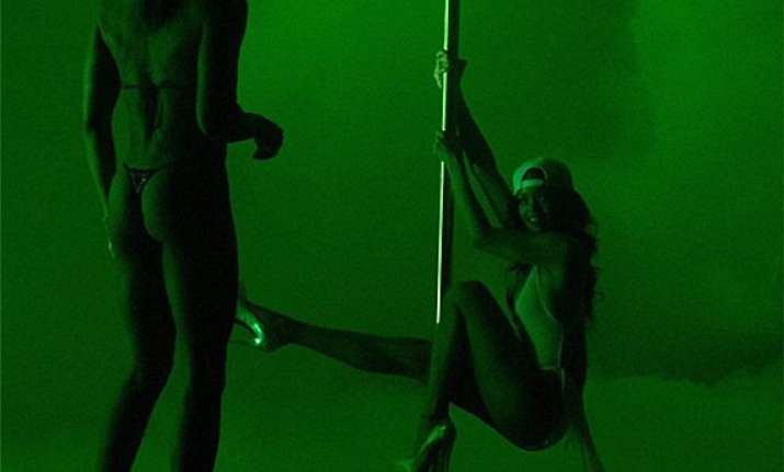 rihanna takes pole dancing lessons view pics