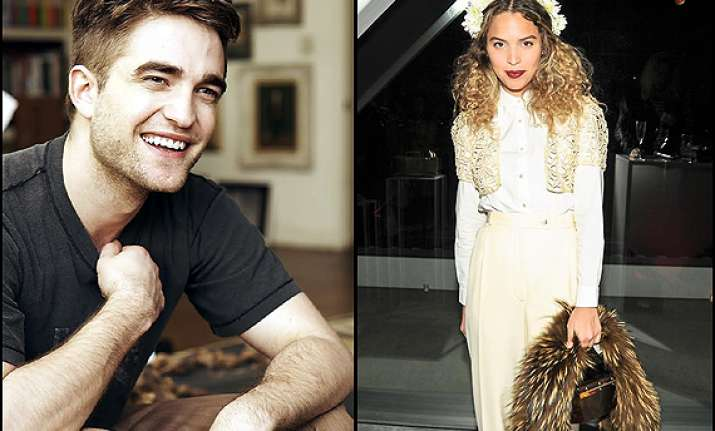robert pattinson dating katy perry s friend