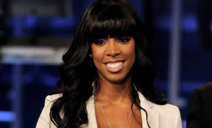 kelly rowland wants wedding to be like a gift