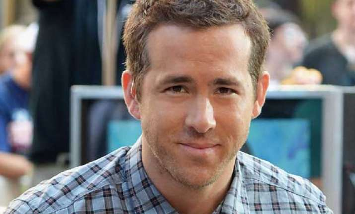 ryan reynolds tryst with cold after sunny honeymoon
