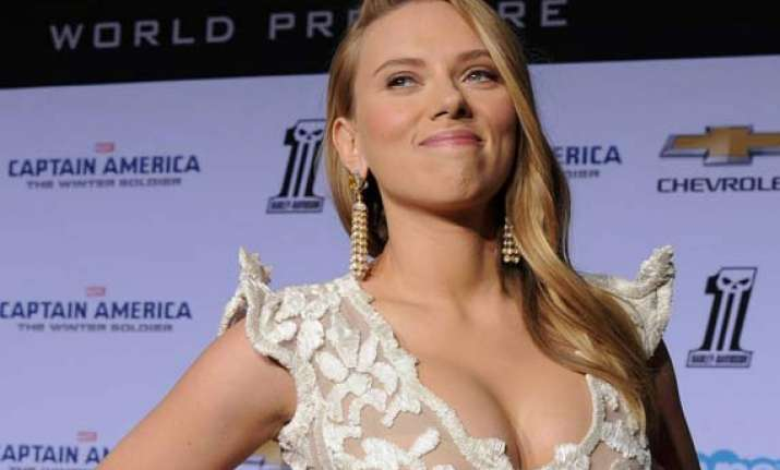 scarlett johansson designs t shirt for a cause