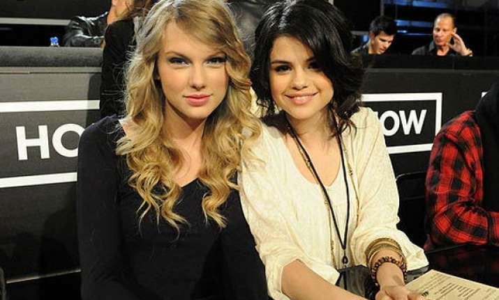 selena gomez taylor swift friends again see pics