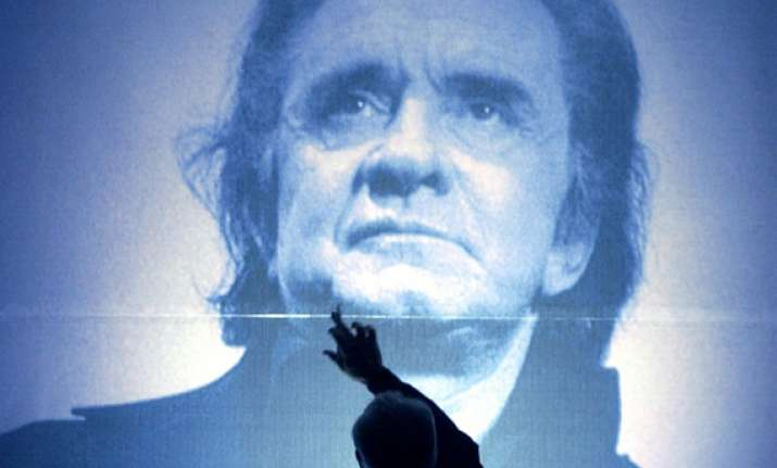 stars to celebrate johnny cash s 80th with concert