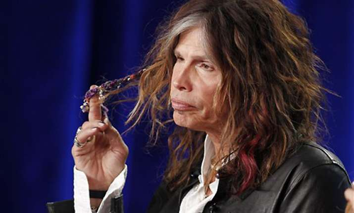 steven tyler defends national anthem performance