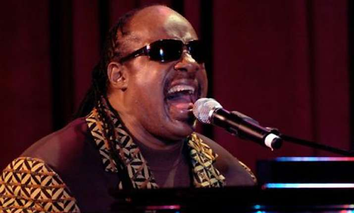 stevie wonder headlines nye in vegas