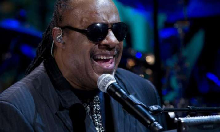 stevie wonder performs free concert in brazil