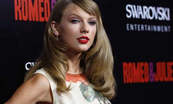 swift to sing for the british royals