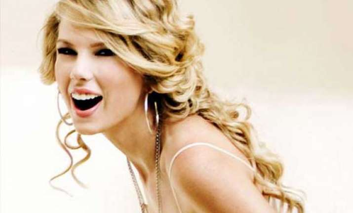 taylor swift mind preoccupied with new song
