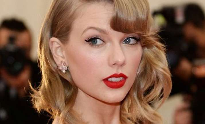 taylor swift s thailand tour axed due to political turmoil