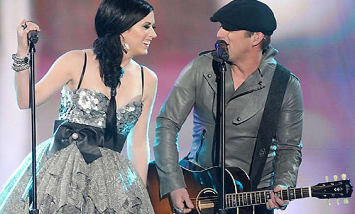 thompson square new single glass gets sensation by woman