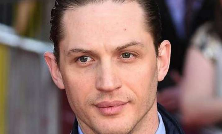 tom hardy injures ankle on movie set