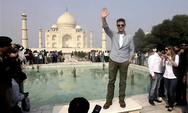 tom cruise excited to be in india visits taj mahal