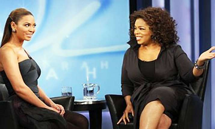 winfrey looks to the web to energize her network