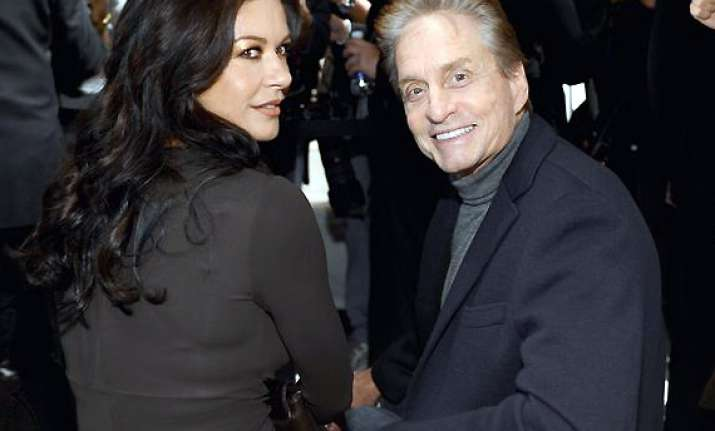 zeta jones douglas to re unite for thanksgiving see their