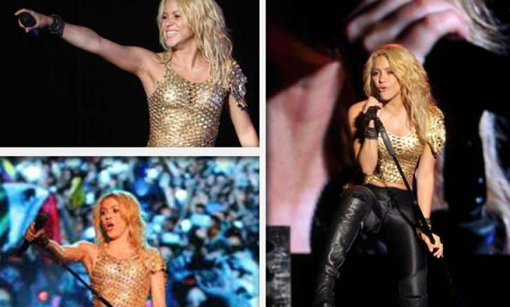 1 50 000 fans turn up for shakira in mexico