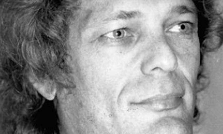 new hollywood producer bert schneider dies at 78
