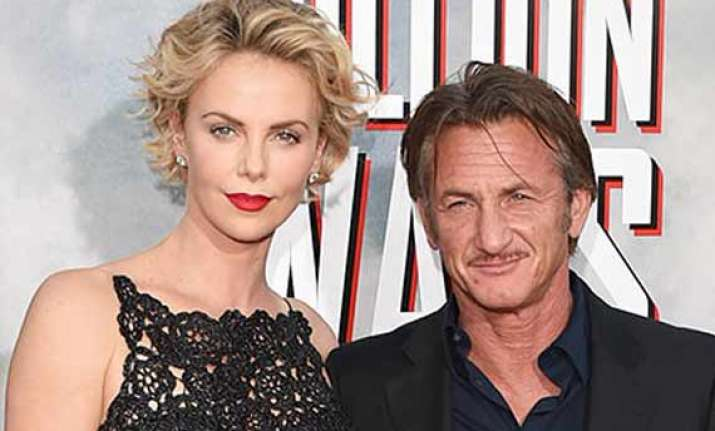 charlize theron sean penn to wed this summer