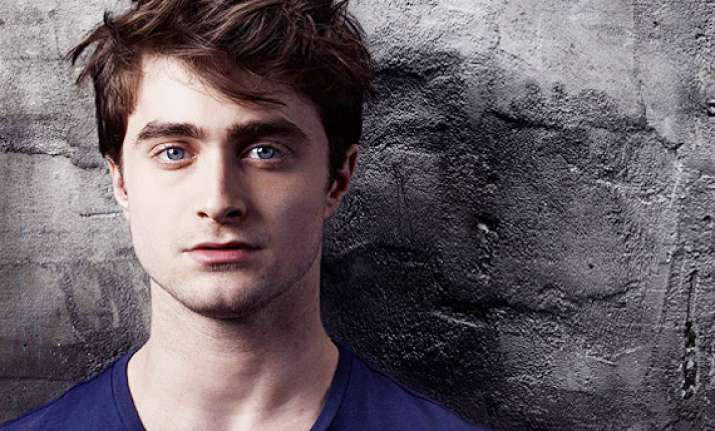 daniel radcliffe turned to alcohol to deal with pressure