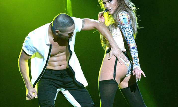 jennifer lopez goes miley cyrus way scorches her butt shows