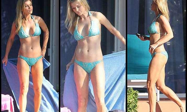 hot joanna krupa flaunts body in lace bikini see pics