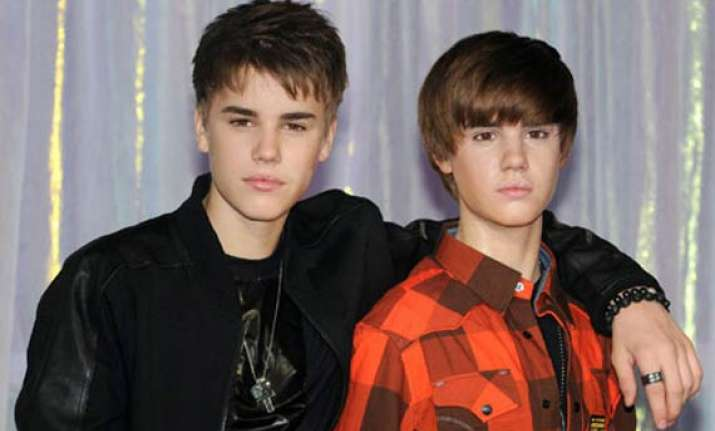 justin bieber s statue to be removed from madame tussauds