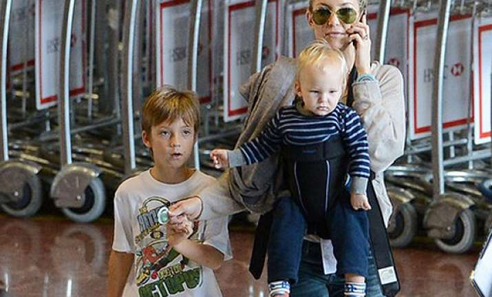 being with kids a luxury for kate hudson