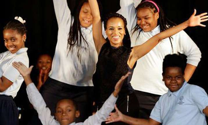 kerry washington feels blessed to be mom