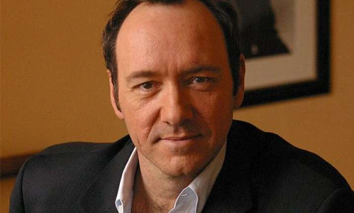 kevin spacey offered donation to turn vegetarian