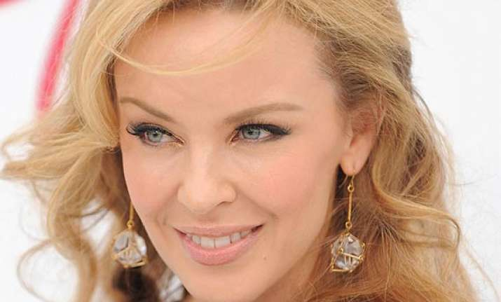 kylie minogue struggles with commitment
